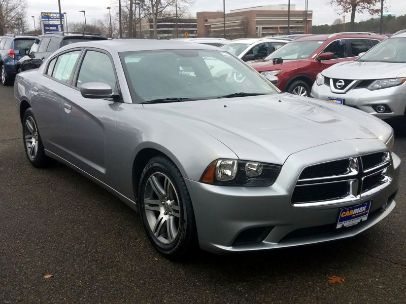 Gray2013 Dodge Charger SE