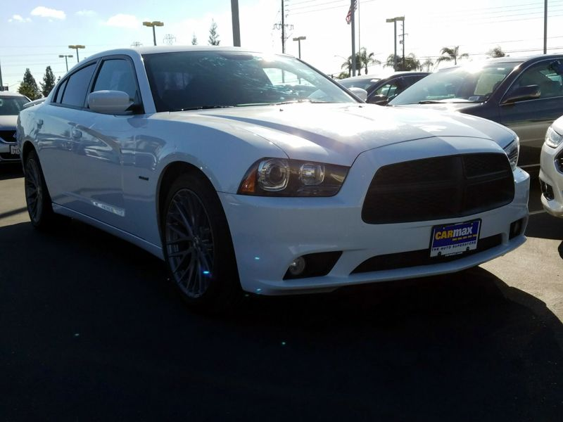 White2014 Dodge Charger R/T