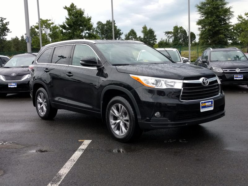 Black2014 Toyota Highlander XLE