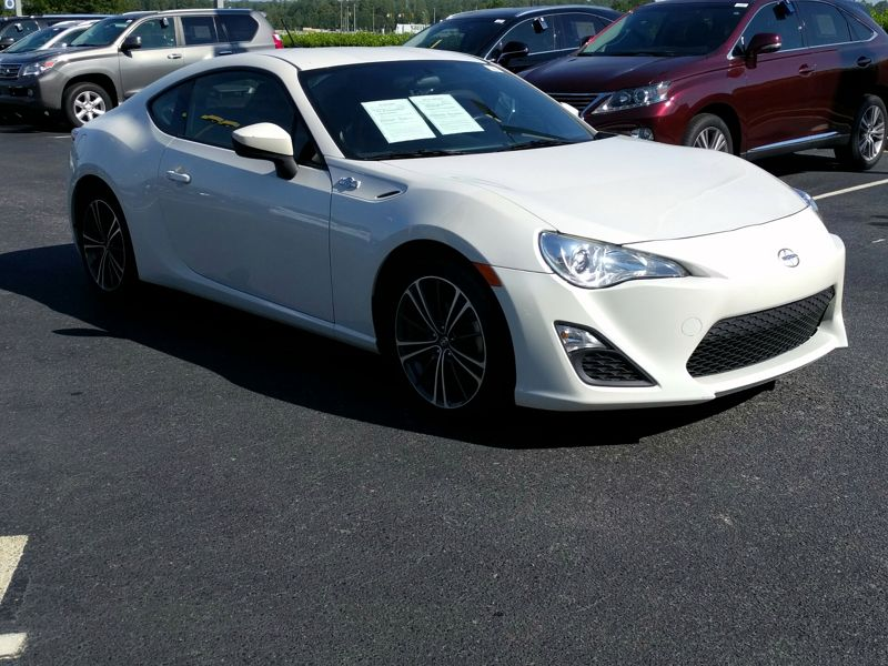 White2013 Scion FR-S
