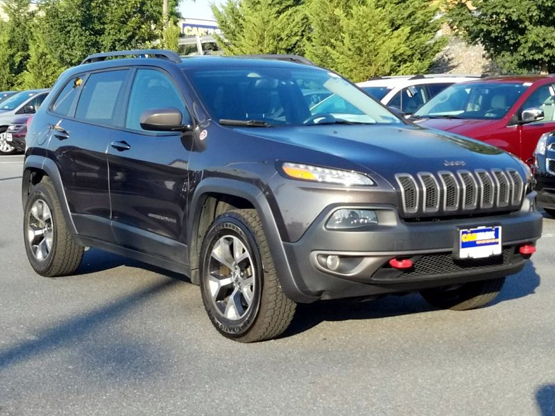 Gray2014 Jeep Cherokee Trailhawk