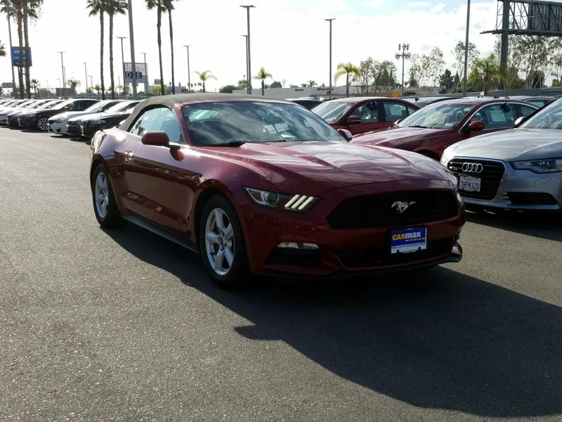 Red2016 Ford Mustang