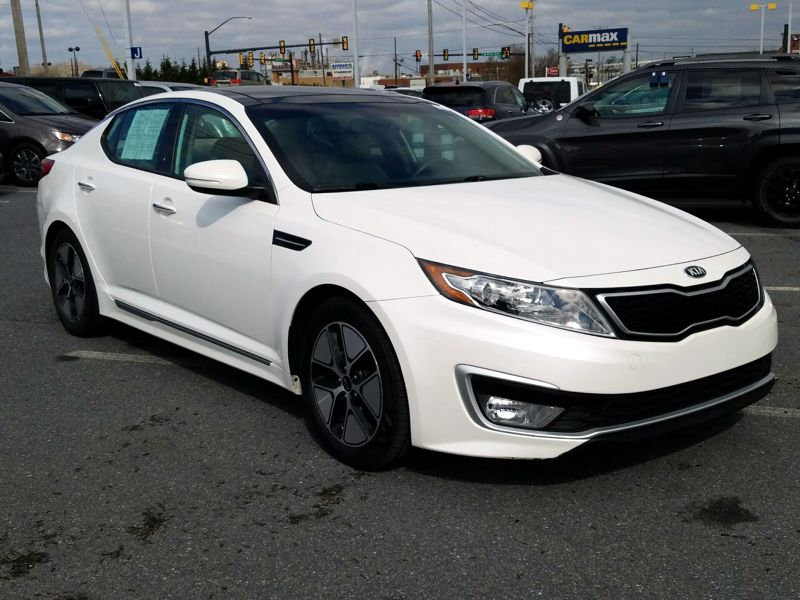 White2012 Kia Optima Hybrid