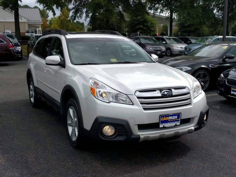 White2014 Subaru Outback 2.5i Limited