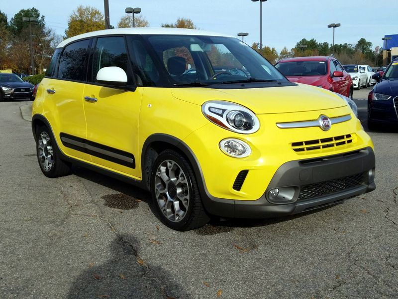 Yellow2014 Fiat 500L Trekking