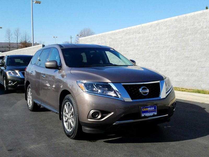 Brown2014 Nissan Pathfinder S