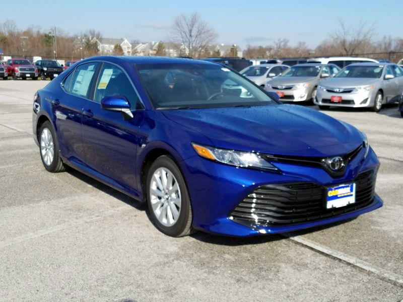 Blue2018 Toyota Camry LE