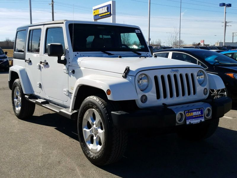 White2014 Jeep Wrangler Unlimited Sahara