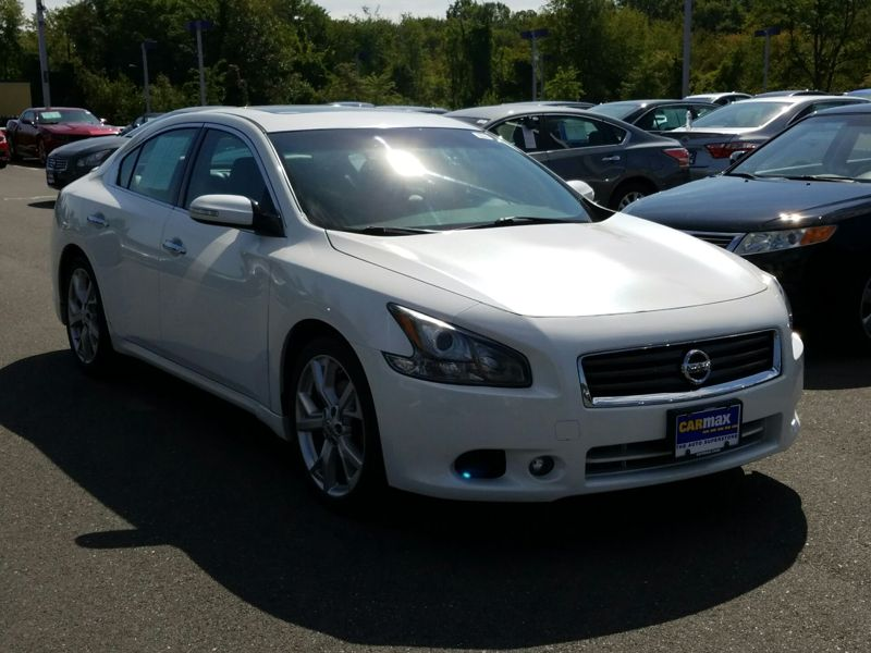 White 2012 Nissan Maxima SV For Sale in Boston, MA