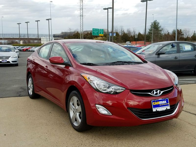 Red2013 Hyundai Elantra GLS