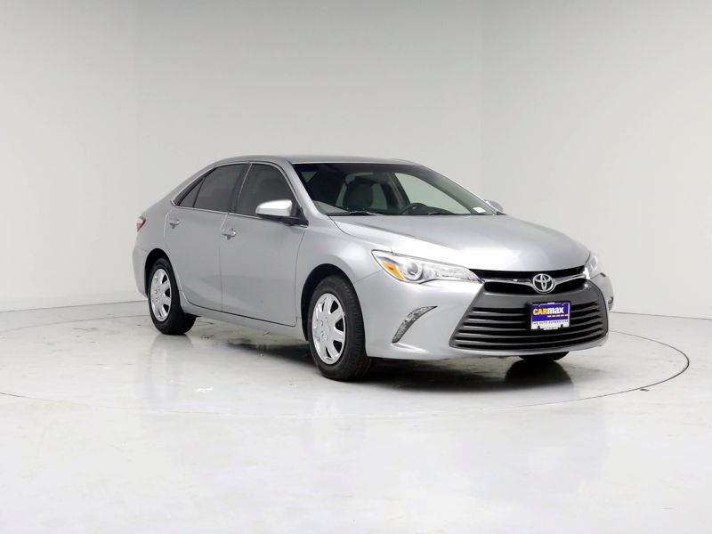 Silver 2015 Toyota Camry LE For Sale in Seattle, WA