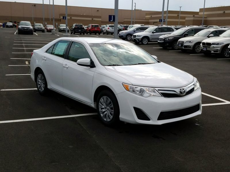 White2013 Toyota Camry LE