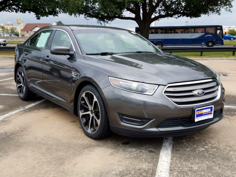 Gray2015 Ford Taurus SEL