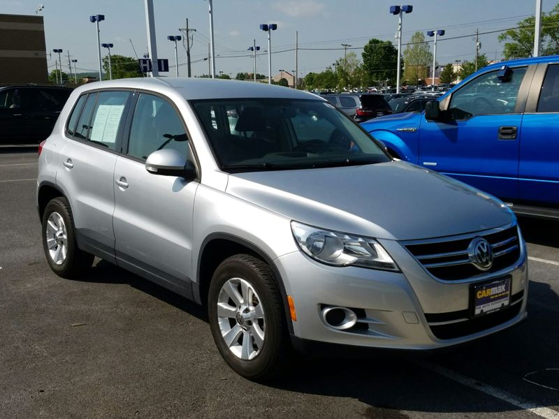 Silver 2009 Volkswagen Tiguan S For Sale in Dulles, VA