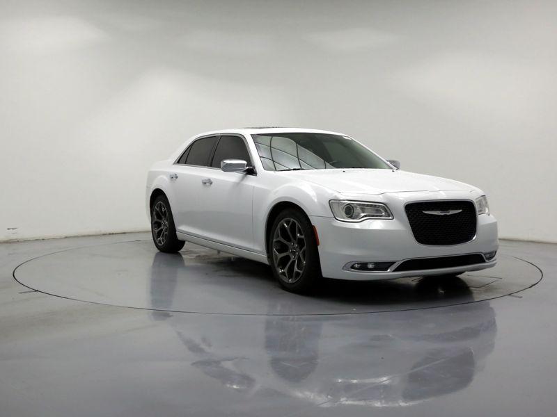 White2015 Chrysler 300 C