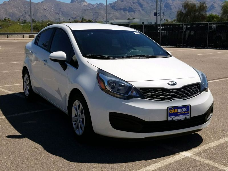 White 2015 Kia Rio LX For Sale in Tucson, AZ