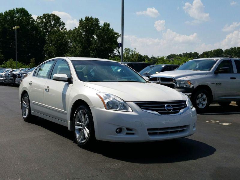 White 2011 Nissan Altima SR For Sale in Winston-Salem, NC