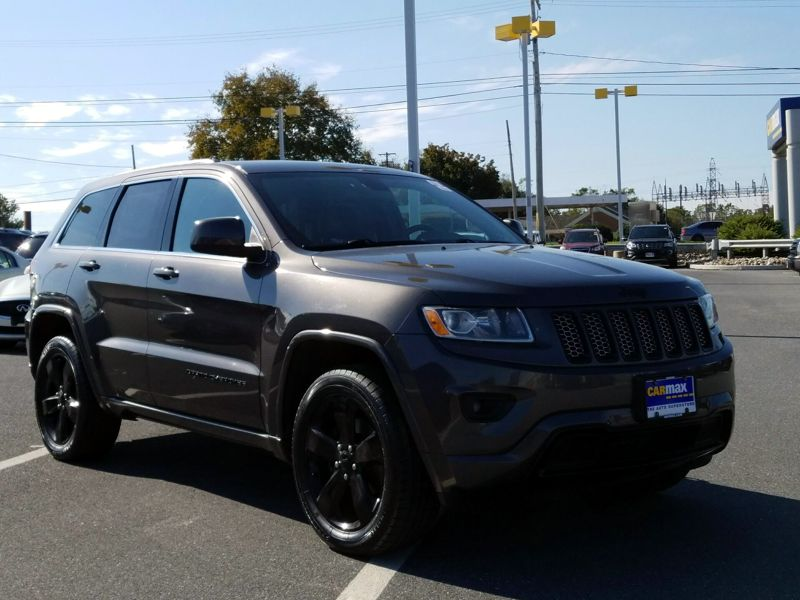 Gray 2015 Jeep Grand Cherokee Altitude For Sale in Lancaster, PA