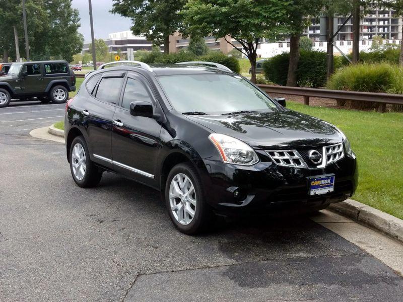 Black 2013 Nissan Rogue SV For Sale in Richmond, VA