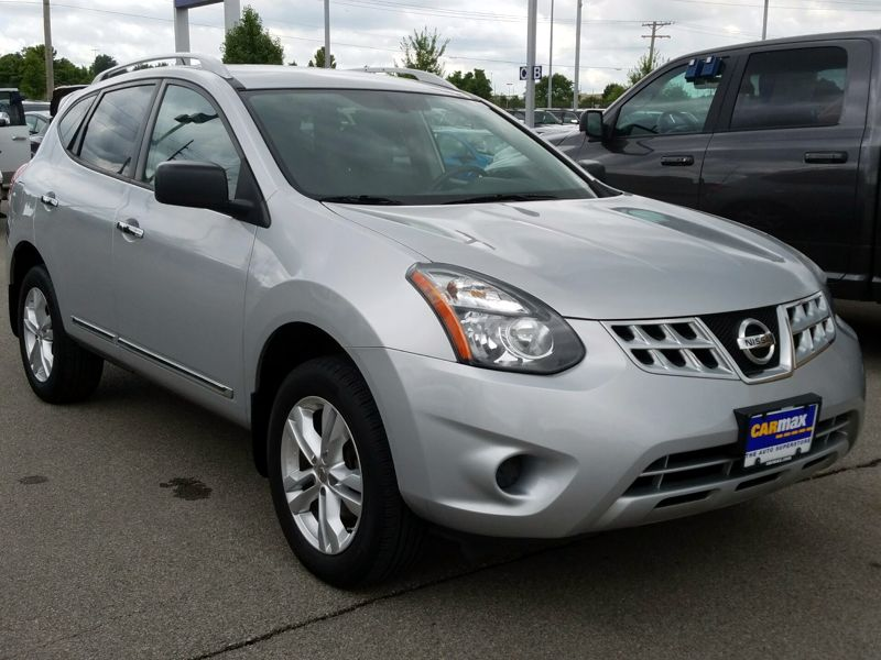 Silver 2015 Nissan Rogue Select S For Sale in St. Louis, MO