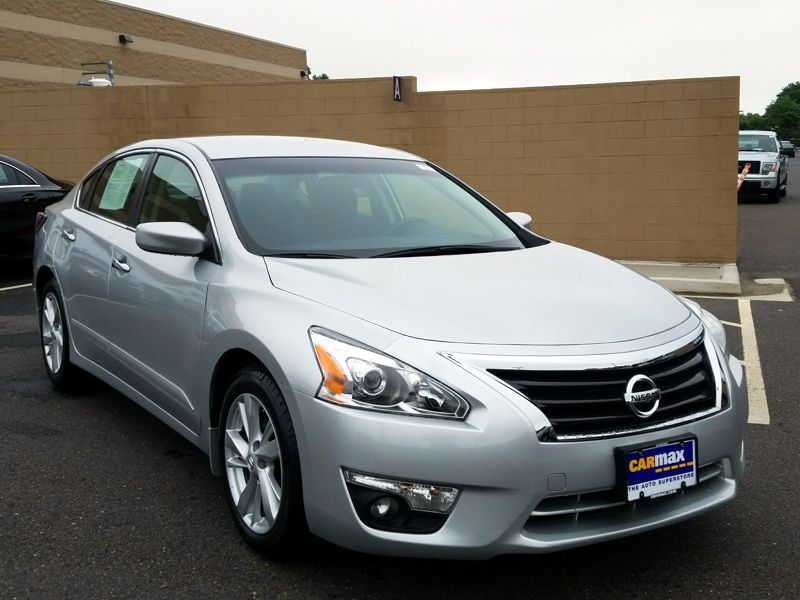Silver 2015 Nissan Altima SV For Sale in Philadelphia, NJ