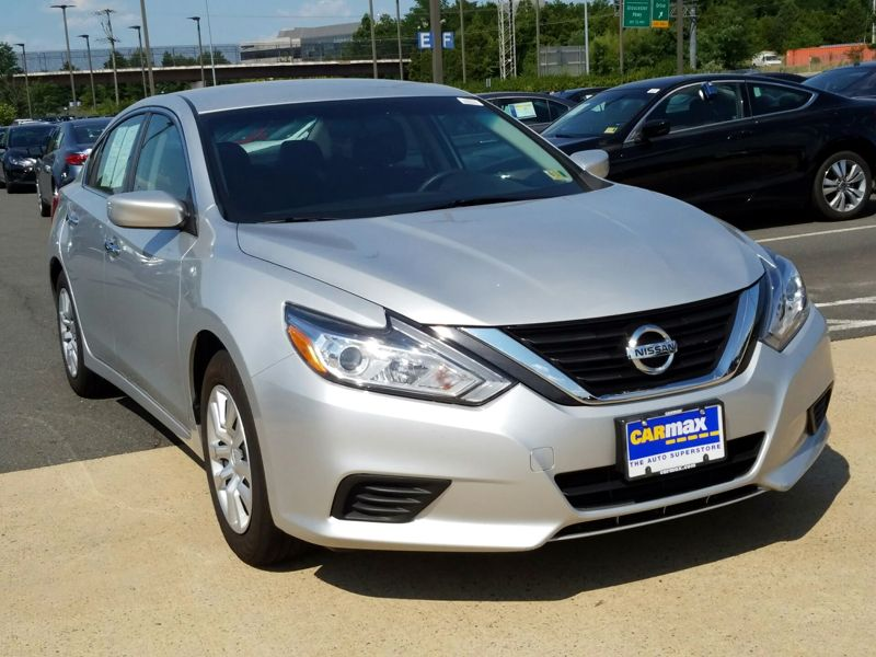 Silver 2016 Nissan Altima S For Sale in Dulles, VA