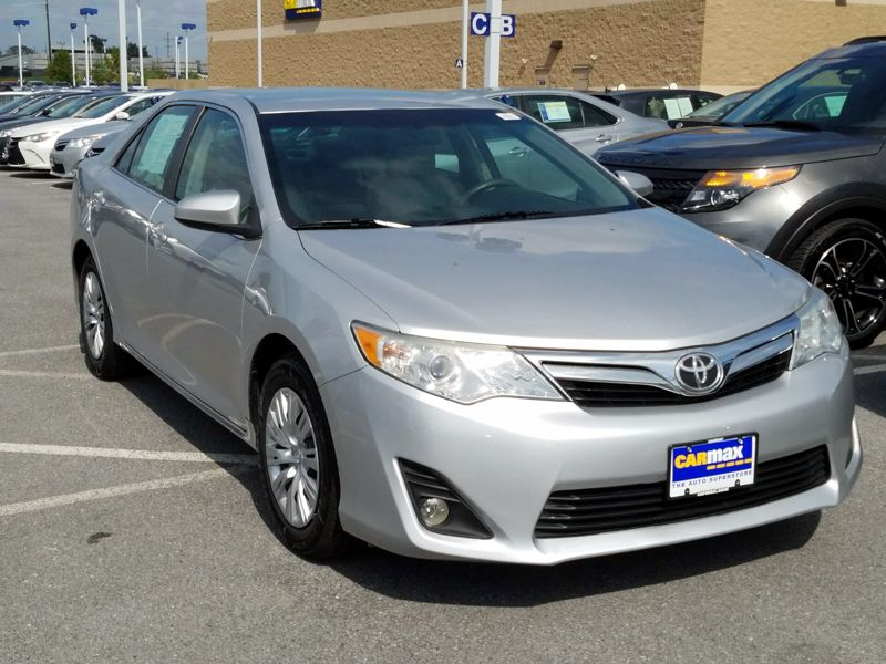 Silver 2014 Toyota Camry LE For Sale in Frederick, MD