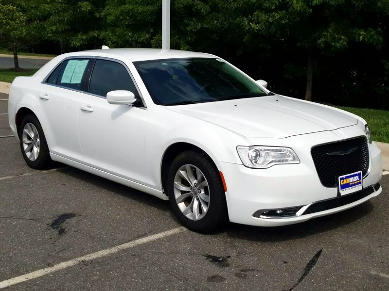 White 2015 Chrysler 300 Limited For Sale in Woodbridge, VA