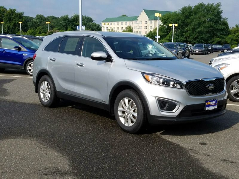 Silver 2016 Kia Sorento LX For Sale in Woodbridge, VA