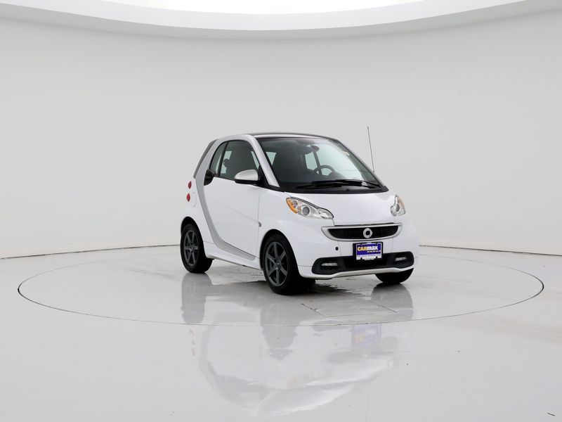 White 2015 Smart Fortwo Passion For Sale in Irving, TX