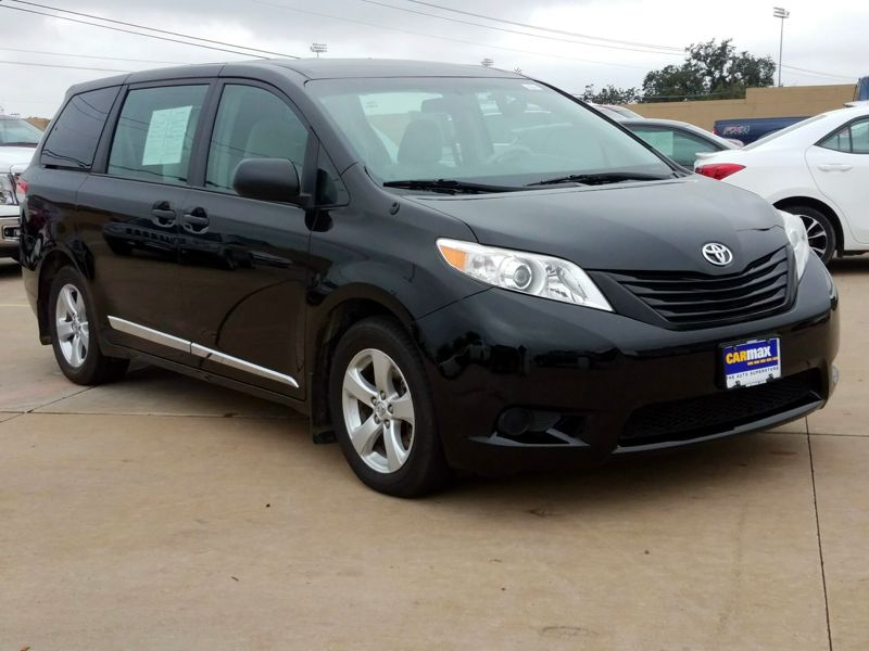 Black 2014 Toyota Sienna L For Sale in Austin, TX