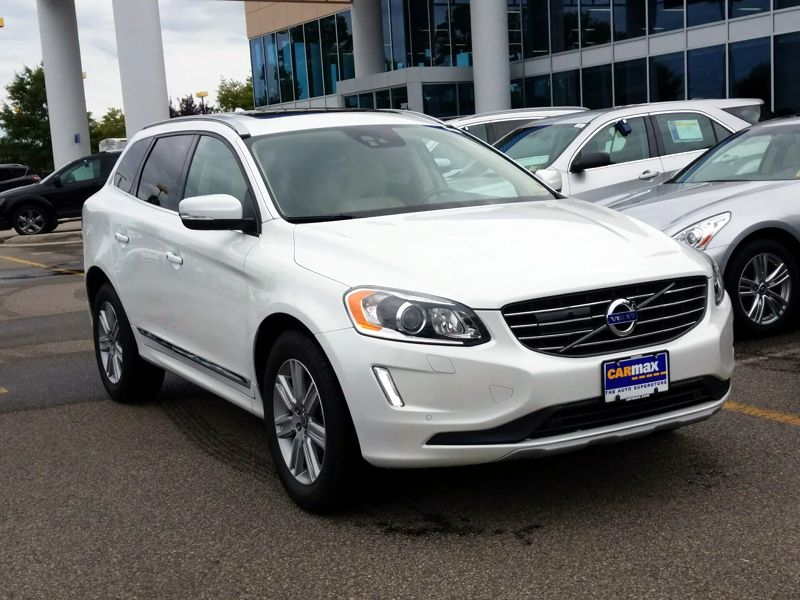 White 2016 Volvo XC60 T6 Platinum For Sale in Virginia Beach, VA