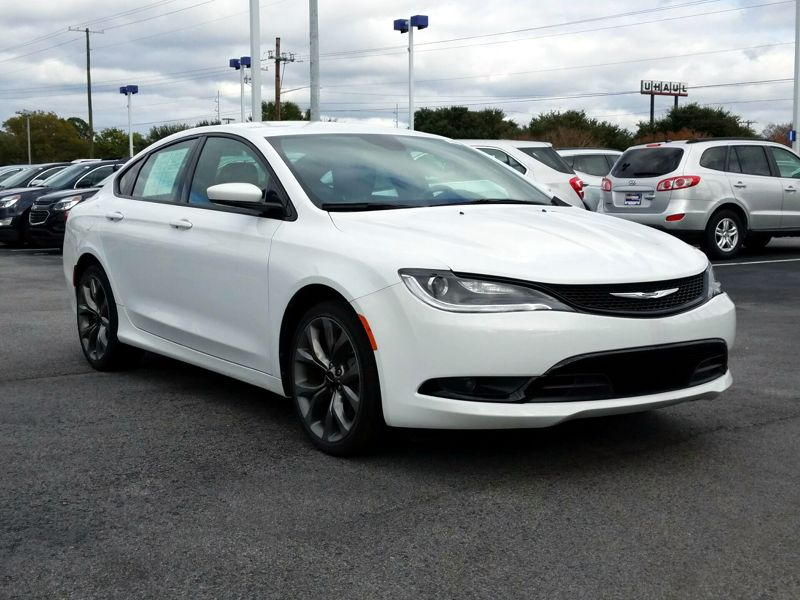 White 2015 Chrysler 200 S For Sale in Jacksonville, FL