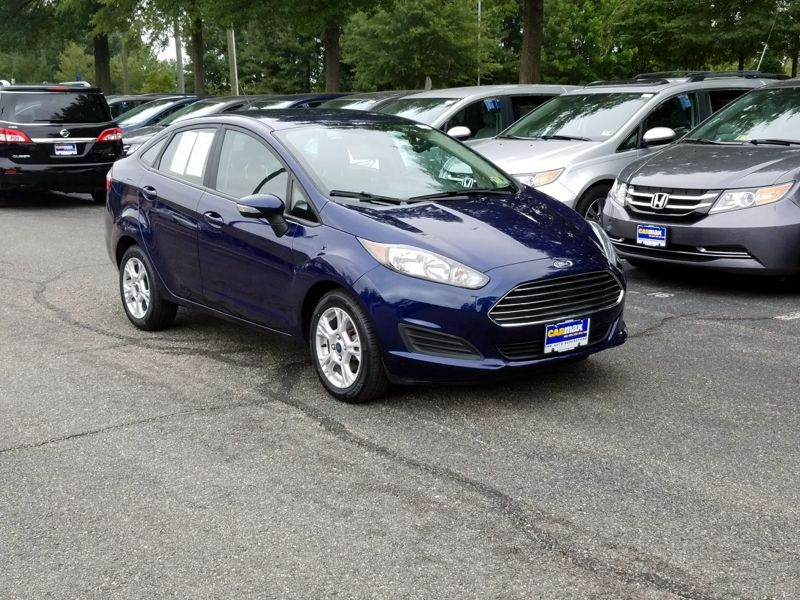 Blue 2016 Ford Fiesta SE For Sale in Richmond, VA
