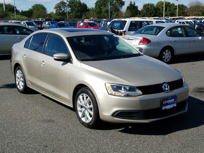 Gold 2012 Volkswagen Jetta SE For Sale in Newark, DE