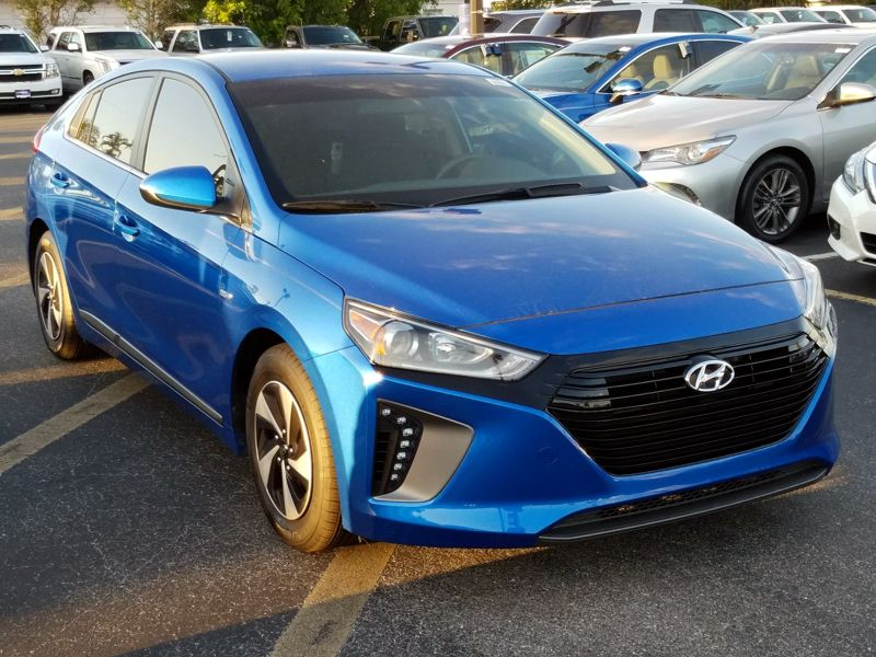 Blue 2017 Hyundai Ioniq Hybrid SEL For Sale in Ft. Myers, FL